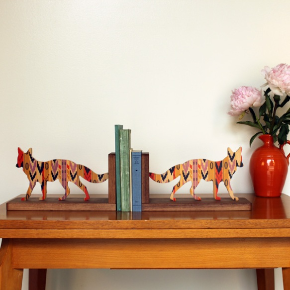 sereno_coyote_bookend